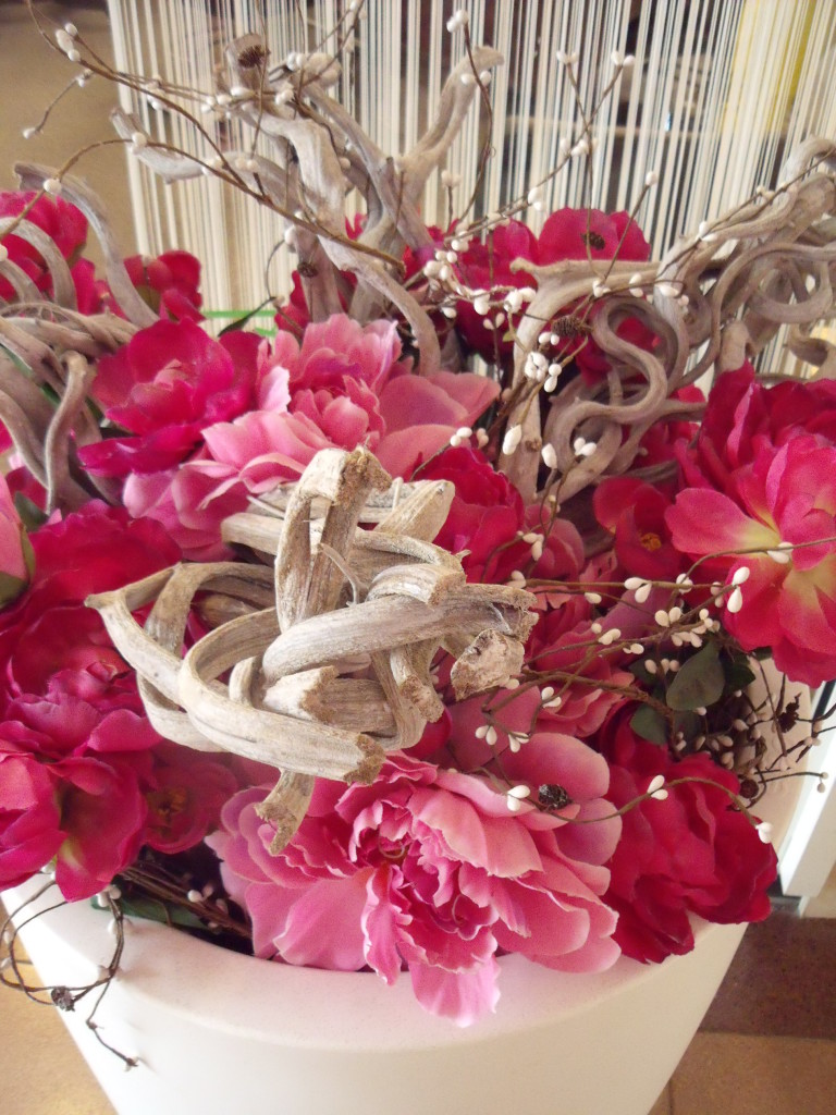Hot pink wedding styling