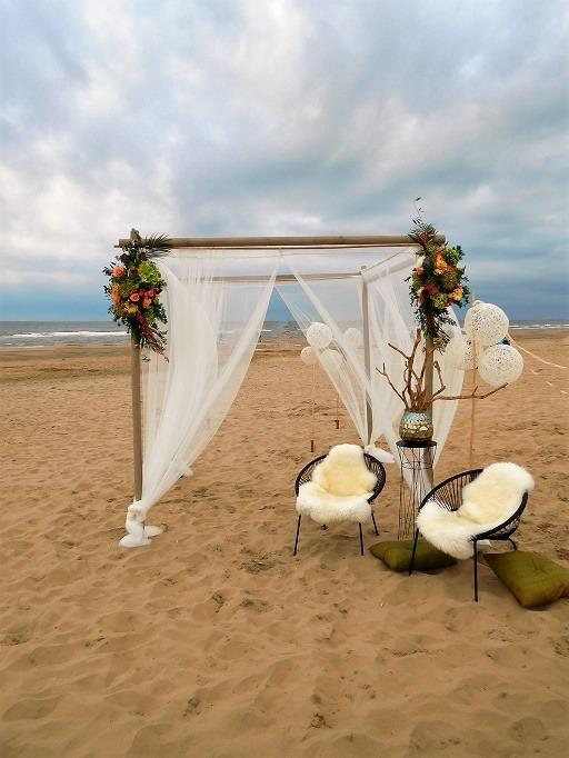 Bruiloftstyling op het strand