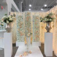 Backdrop met bloemen styling