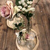 Bruiloft decoratie met zijde bloemen