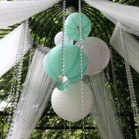 Bruiloft styling met lampionnen